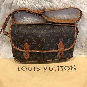 Authentic Louis Vuitton Gibeciere MM #2.9M